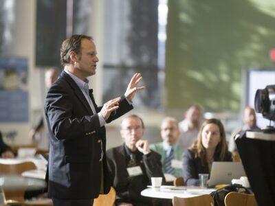 Jak překonat strach z mluvení na veřejnosti - zvyšte si sebevědomí a vylepšete svou prezentaci