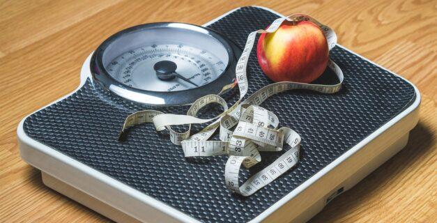 hubnutí – váha, metr, jablko