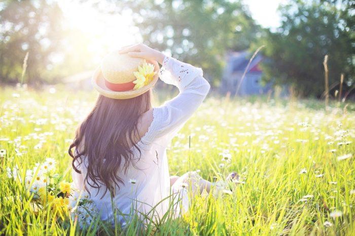 cíle eft terapie emoční svoboda a zklidnění, žena odpočívá