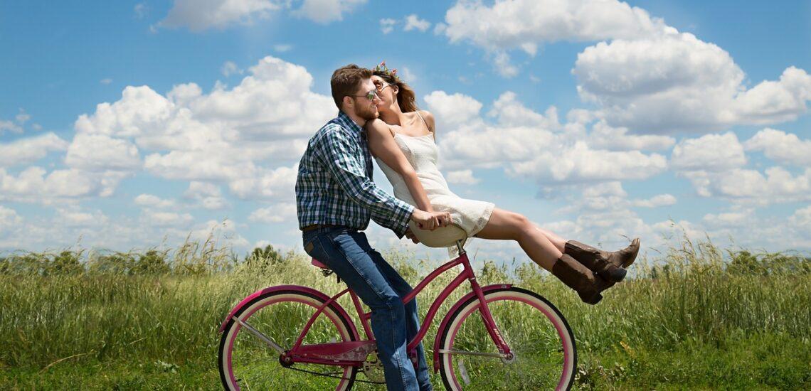 pozitivní emoce - láska mladý pár
